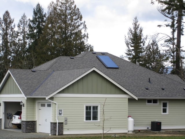 Duncan home with solar hot water